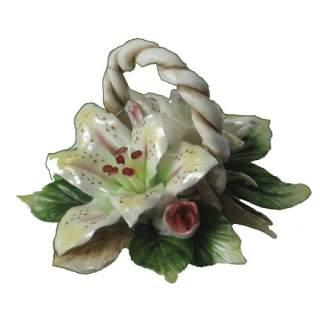 Posliini-liljat korissa*