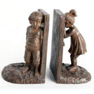 Kirjatuet -Tyttö ja poika piilosilla